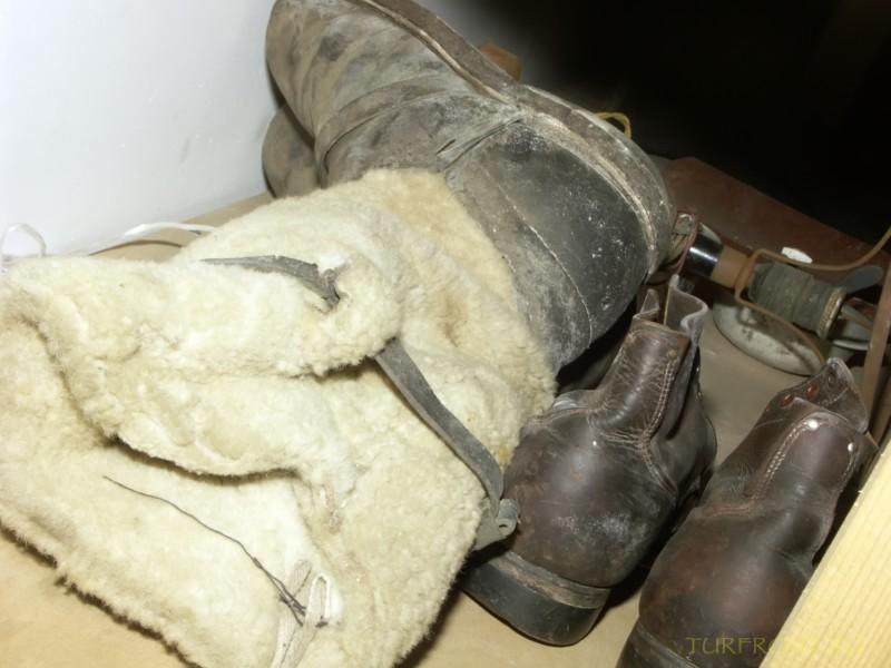 Зона-музей Пермь-36: Меховые офицерские унты работника НКВД. (фотография №49)