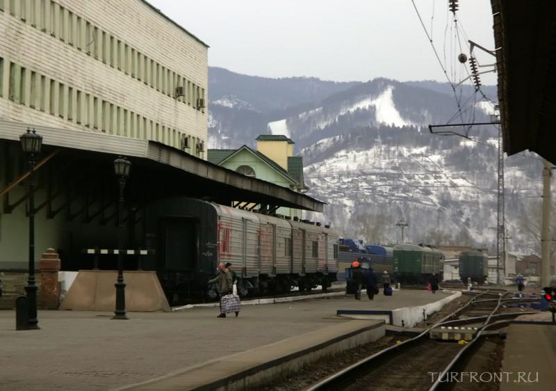 Три дня в Красноярске: Город Красноярск, вид с перрона железнодорожного вокзала. (фотография №1)