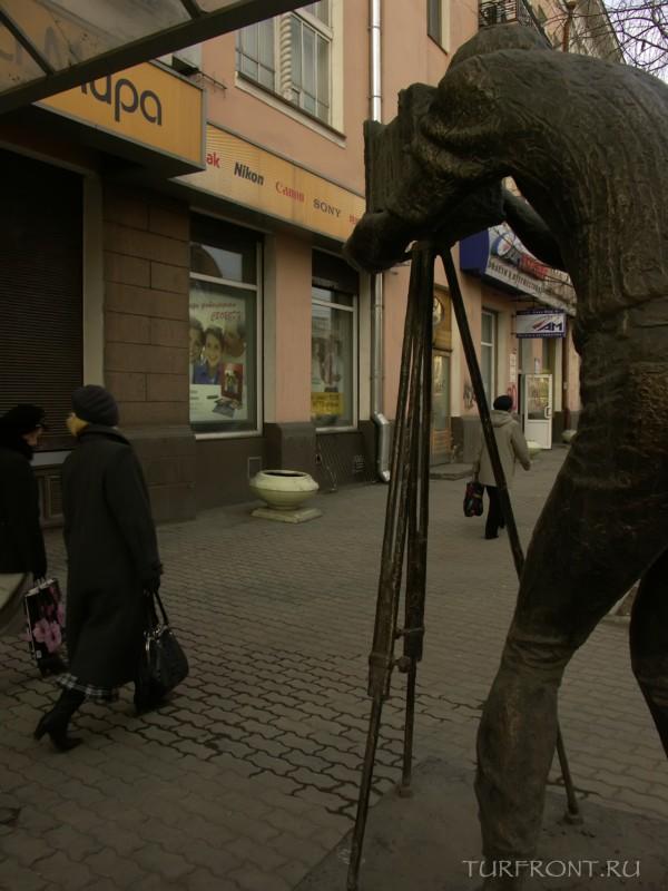 Три дня в Красноярске: Бронзовый фотограф на проспекте Мира. (фотография №13)