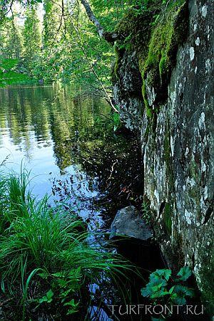 Скала над рекой Тохмайоки   Фото 1