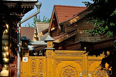 Суздаль: деревянный дом, украшенный резьбой   Фото 1